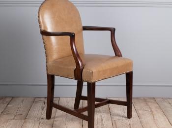 English Antique Furniture, Period Furniture, UK Antiques: Thakeham Furniture, Petworth, West Sussex, UK